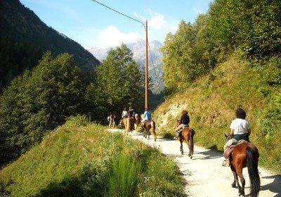 2  giugno tra i sentieri e i prodotti tipici della Val Ellero